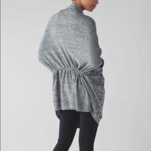 LULULEMON | sz 10 gray breeze easy wrap